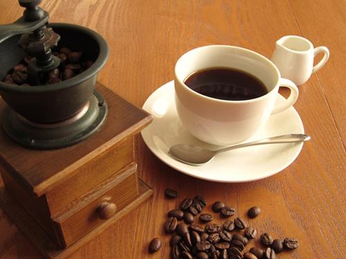 コーヒーとミル